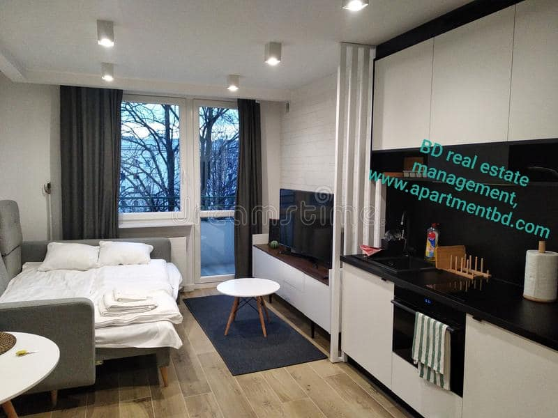 1600sft Luxurious fully furnished Block-G, Road-19, 6th floor lift,1parking